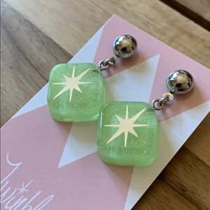 Retro Reproduction Pinup Lucite Resin Earrings